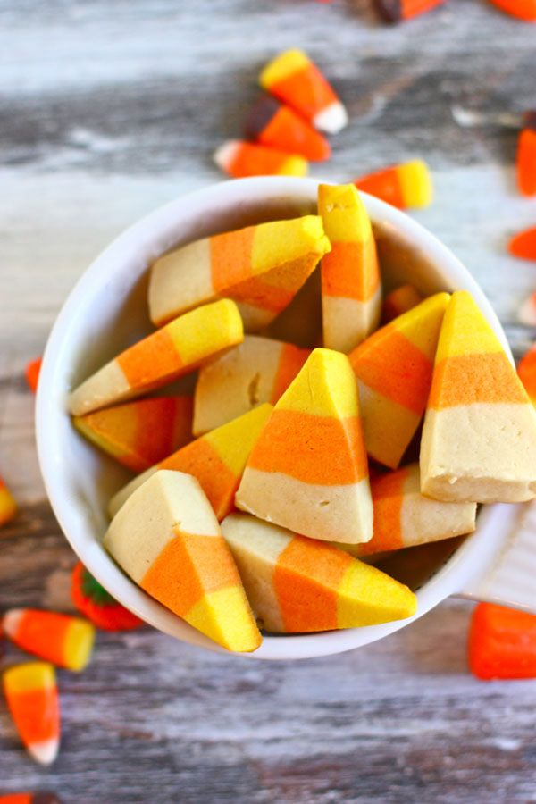 These candy corn sugar cookies look just like the real thing!